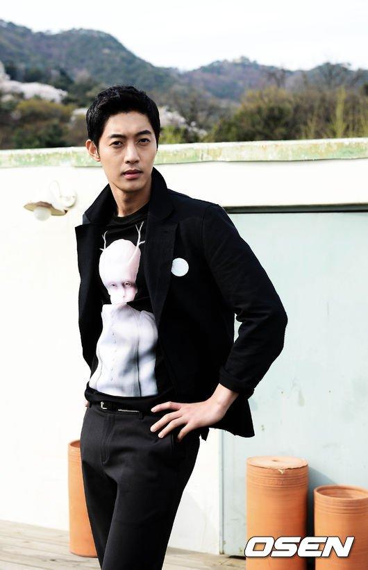 Bạn gái cũ sắp sinh, Kim Hyun Joong hứa có trách nhiệm - 2
