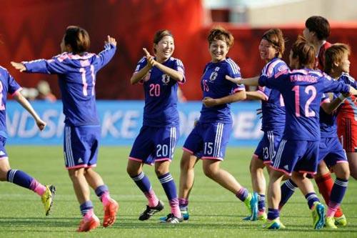 Trước trận chung kết World Cup nữ Mỹ - Nhật: Phụ nữ 'tham' quá! - 1
