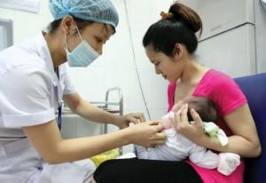 """Chuyên gia WHO: """"Vắc-xin tiêm chủng mở rộng tại Việt Nam an toàn"""""""