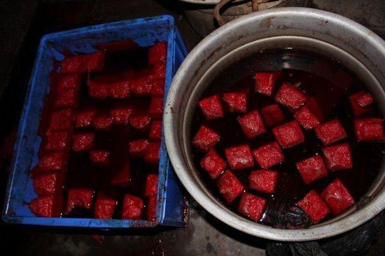 Kinh hoàng cơ sở dùng chất cực độc chế tiết vịt - 3