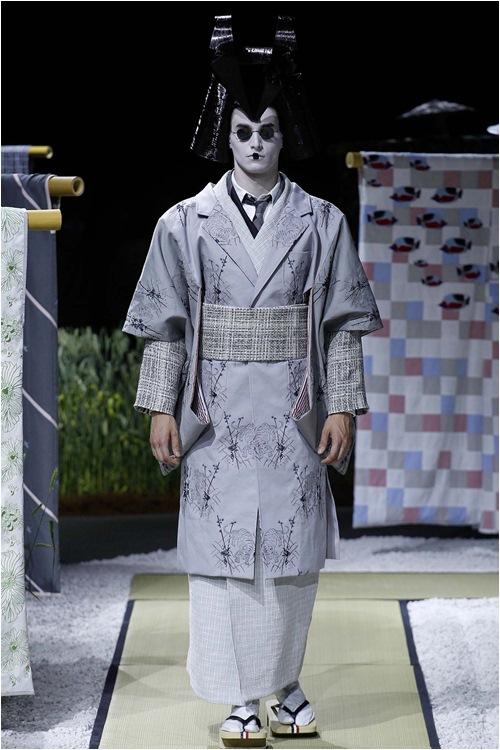 Khi mẫu nam hoá geisha, đi lại như... hồn ma - 2