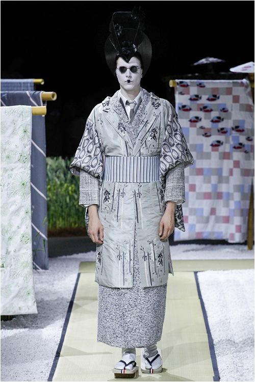 Khi mẫu nam hoá geisha, đi lại như... hồn ma - 6