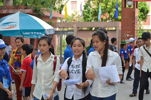 Nhiều thí sinh thất vọng sau buổi thi môn Sinh - 3