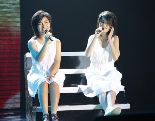 Phương Thảo, Ngọc Lễ khóa môi ngọt ngào trên sân khấu - 5