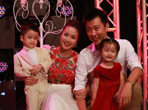 Phương Thảo, Ngọc Lễ khóa môi ngọt ngào trên sân khấu - 16