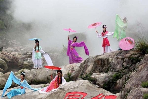 """Cuộc thi """"tiên nữ"""" ở Trung Quốc gây xôn xao - 1"""