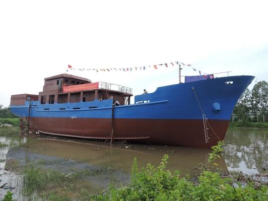 Hạ thủy tàu dịch vụ hậu cần nghề cá hiện đại nhất VN - 1