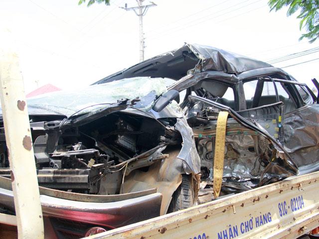 Ô tô đấu đầu xe khách, 3 người thương vong - 2