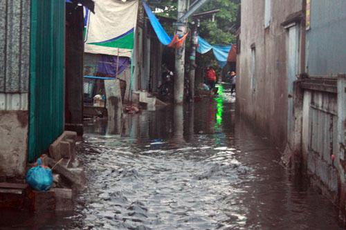 Người Sài Gòn vừa lội nước ngập vừa sợ sấm chớp - 5