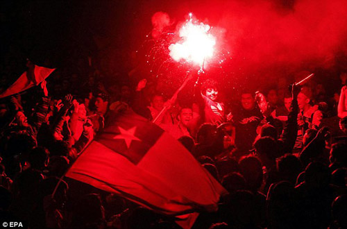 Chile chìm vào bạo loạn sau khi vô địch Copa - 9