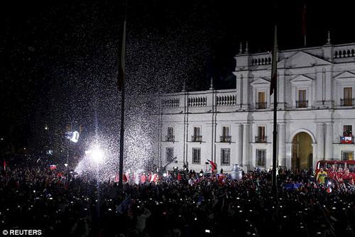 Chile chìm vào bạo loạn sau khi vô địch Copa - 4