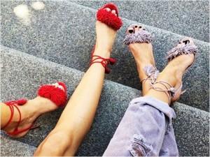 """Mẫu sandals nào đang """"thống trị"""" Instagram?"""