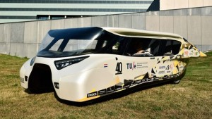 """Nội soi"" mẫu xe năng lượng mặt trời Stella Lux"