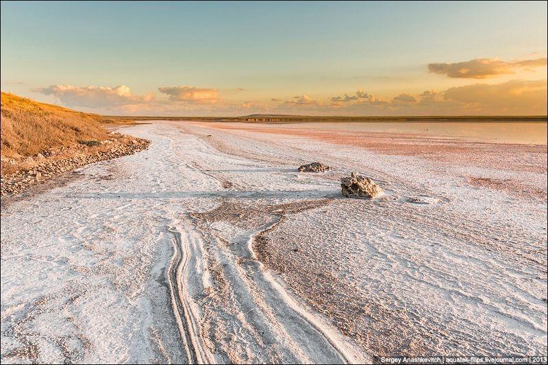 Tuyệt đẹp hồ muối hồng thơ mộng ở Ukraine - 9