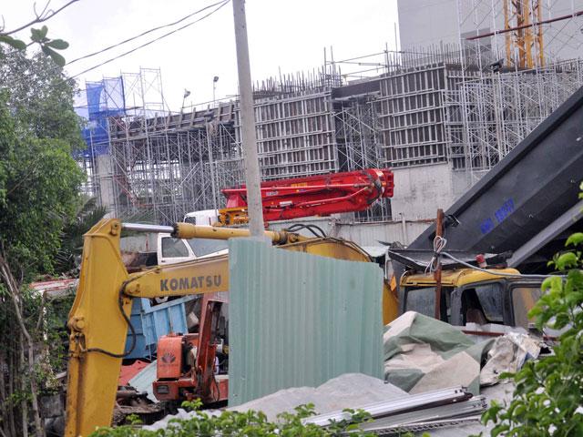 Hiện trường đổ nát vụ sập giàn giáo công trình 17 tầng ở TP.HCM - 5
