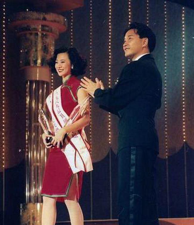 Nữ hoàng phim cấp 3 Hồng Kông U50 vẫn đẹp rạng ngời - 8