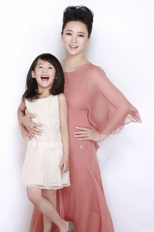 Nữ hoàng phim cấp 3 Hồng Kông U50 vẫn đẹp rạng ngời - 11