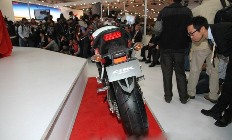 Honda CBR650F giá 172 triệu đồng cho đặt hàng trước - 8