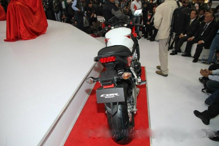 Honda CBR650F giá 172 triệu đồng cho đặt hàng trước - 10