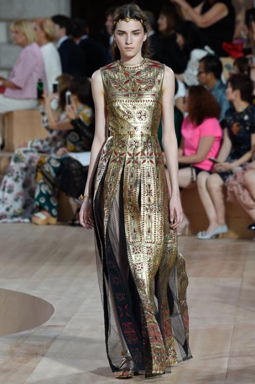 Ngây ngất ngắm nữ hoàng quyến rũ của Valentino - 14