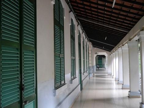 Độc đáo những ngôi trường trăm tuổi ở Sài Gòn - 1
