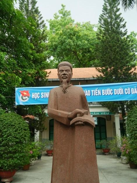 Độc đáo những ngôi trường trăm tuổi ở Sài Gòn - 2