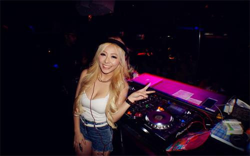Vẻ đẹp nóng bỏng của 10 DJ nữ sexy nhất châu Á - 6