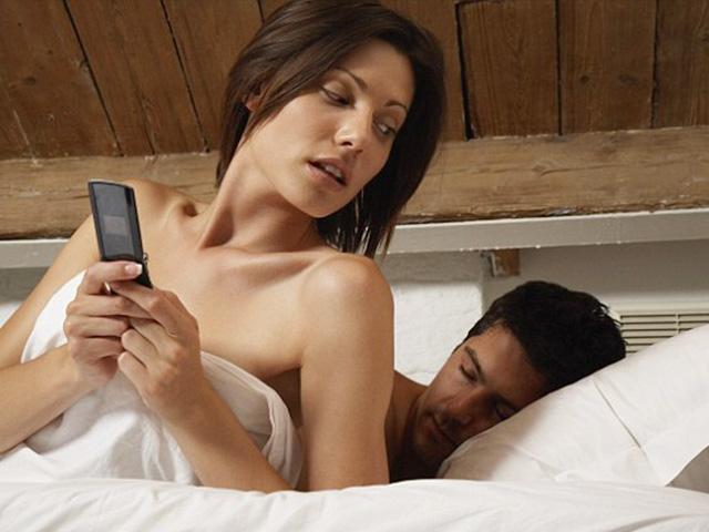 """Đau đớn phát hiện vợ đi """"tập thể dục"""" với người tình"""
