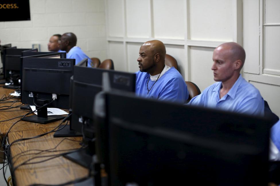 Đột nhập các nhà tù khét tiếng ở Mỹ - 13