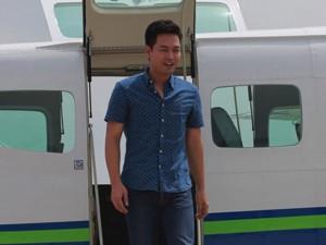 MC Phan Anh điển trai bên thủy phi cơ triệu đô