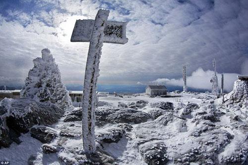 Thám hiểm ngọn núi có khí hậu tồi tệ nhất hành tinh - 10
