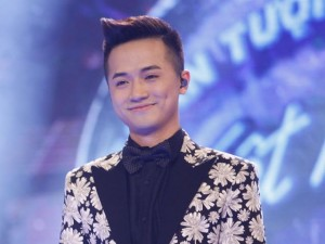 """""""Thầy giáo hot boy"""" dừng chân ở Top 3 Vietnam Idol"""