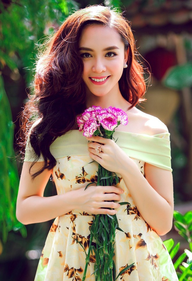 1437465277 ly 5 1 Á hậu Thiên Lý: Hôn nhân của tôi rất hạnh phúc