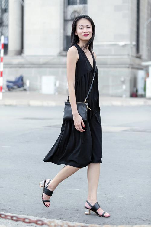 1437468191 1437462530 untitled 9168 Dạo phố với váy 2 dây quyến rũ như cựu mẫu Thanh Trúc