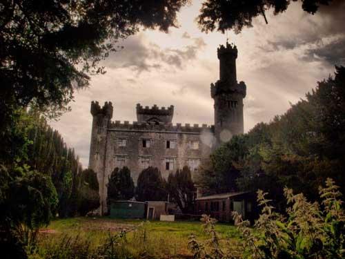 Lạnh gáy những lâu đài ma ám đáng sợ nhất thế giới - 7