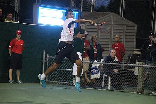 Tay vợt 14 tuổi lập kỷ lục ở giải tennis nhà nghề - 1