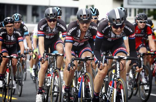 Team GIANT-Alpecin cùng bộ quần áo công nghệ mới trong giải Tour de France - 1