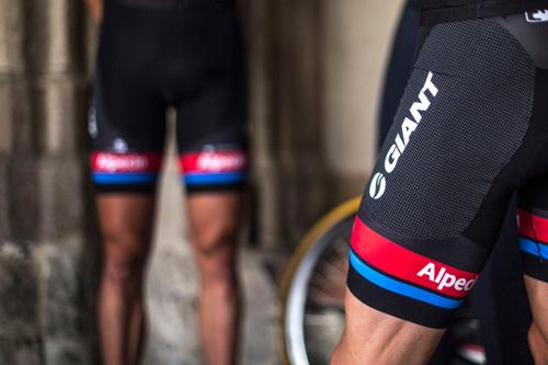 Team GIANT-Alpecin cùng bộ quần áo công nghệ mới trong giải Tour de France - 3