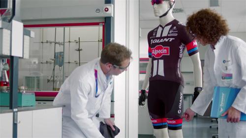 Team GIANT-Alpecin cùng bộ quần áo công nghệ mới trong giải Tour de France - 5