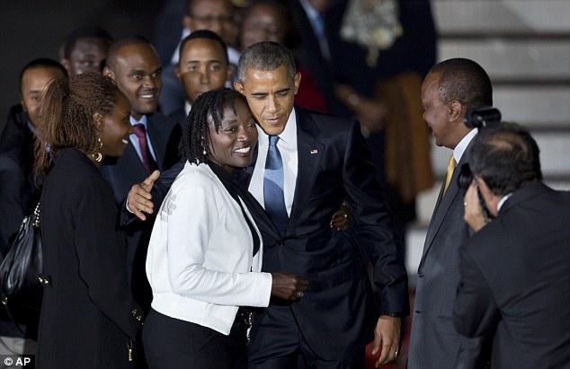 Niềm vui ngày đoàn tụ của TT Mỹ Obama tại quê cha - 4