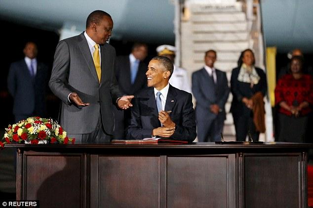 Niềm vui ngày đoàn tụ của TT Mỹ Obama tại quê cha - 6