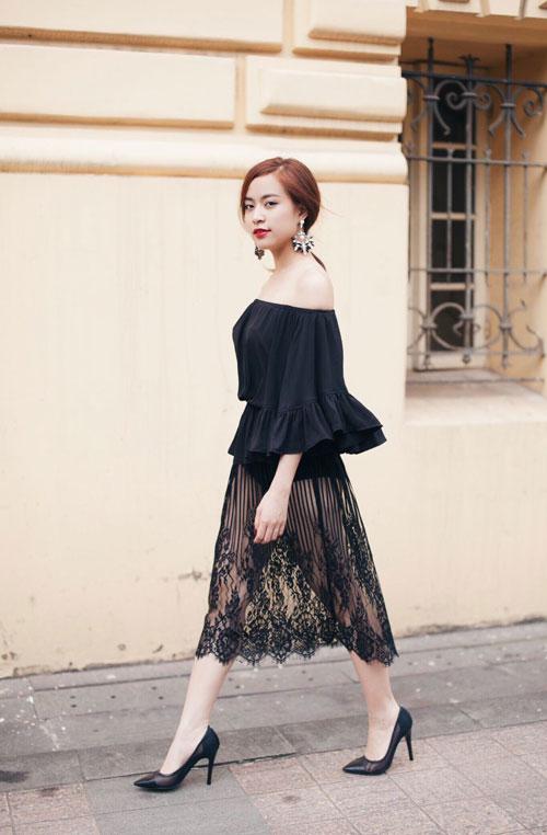 Chọn mua áo hở vai ngọt ngào như Hoàng Thùy Linh - 2