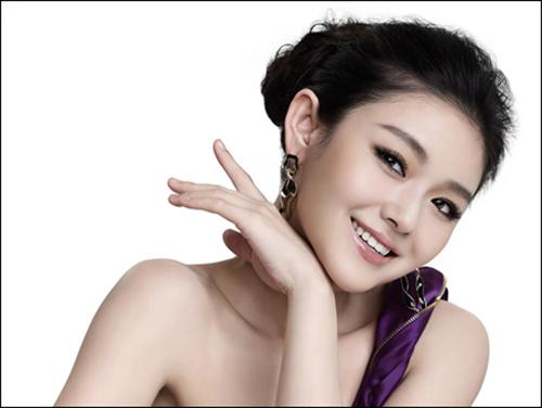 Phụ nữ tuổi 30 nên làm gì để loại bỏ nếp nhăn quanh mắt - 1
