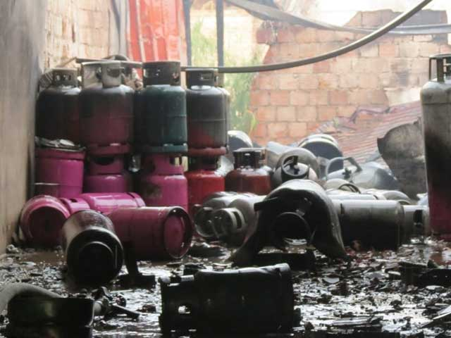 Nổ cơ sở gas ở Huế: Phát hiện thi thể công nhân - 2