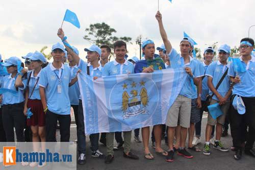 Man City đến Hà Nội trong cơn mưa tầm tã - 7