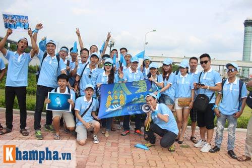 Man City đến Hà Nội trong cơn mưa tầm tã - 9