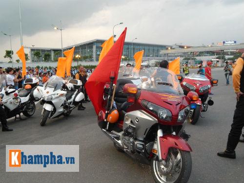 Man City đến Hà Nội trong cơn mưa tầm tã - 15