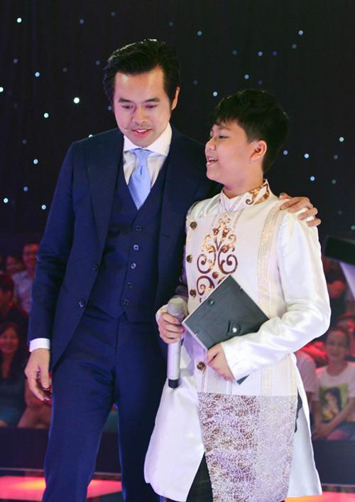Cậu bé 13 tuổi hát hit Sơn Tùng gây sốt The Voice Kids - 2