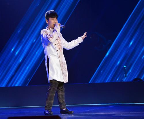 Cậu bé 13 tuổi hát hit Sơn Tùng gây sốt The Voice Kids - 1
