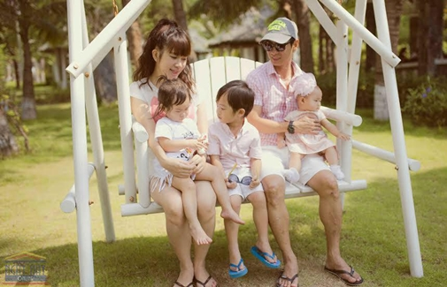 Gia đình Lý Hải được báo Nhật hết lời khen ngợi - 6